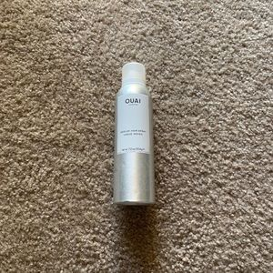 Quai medium hold hairspray